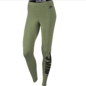 Nike Leg-A-See Leggings M